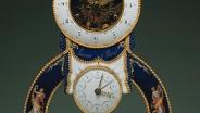 Часы настольные 1793-1794 гг. Париж, мастер Жозеф Кото. Мрамор, металл, медь, золочение, опаковая, прозрачная и расписная эмаль с блестками.
